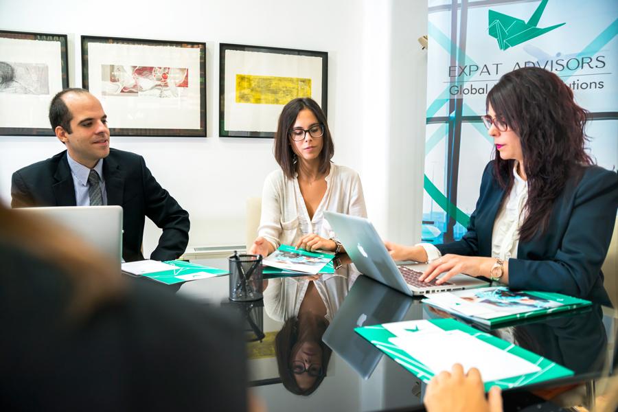 Home expat advisors expat advisors for Oficina zurich zaragoza