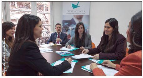 Expat Advisors como ejemplo de innovación y servicio integral acorde al Diario el País.